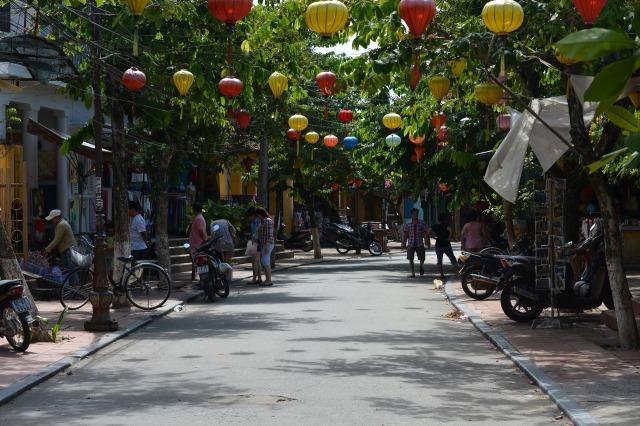 hoi-an-daytine lanterns